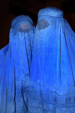 250px-Burqa_Afghanistan_01