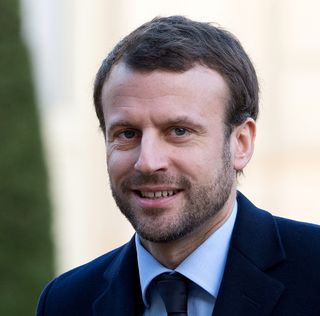Macron barbu
